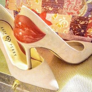 ***HOT*** NWOT KATY PERRY HEELS LIGHT PINK W/ RED